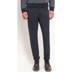207135c1d536d3 SPODNIE DŁUGIE MĘSKIE ZWĘŻANE, CHINOSY, KLASYCZNE. Eleganckie spodnie  męskie TOP SECRET, bez
