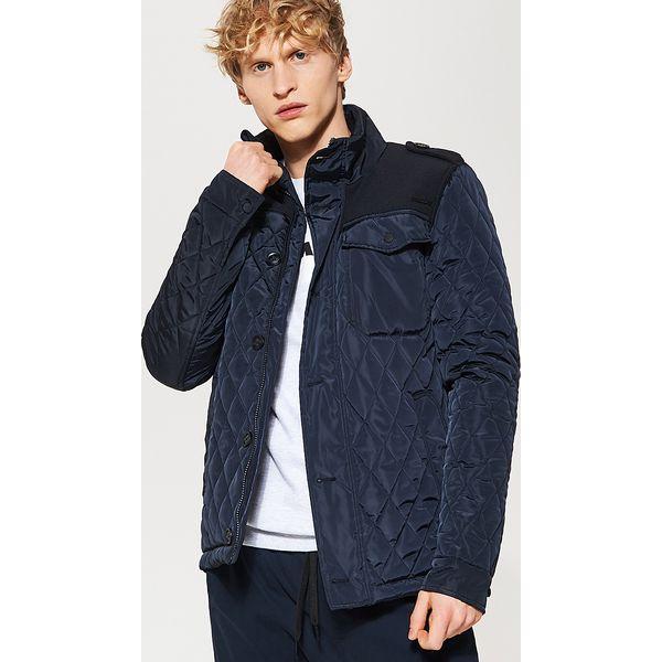 1c74f8080157b Pikowana kurtka z pagonami - Granatowy - Niebieskie kurtki męskie ...