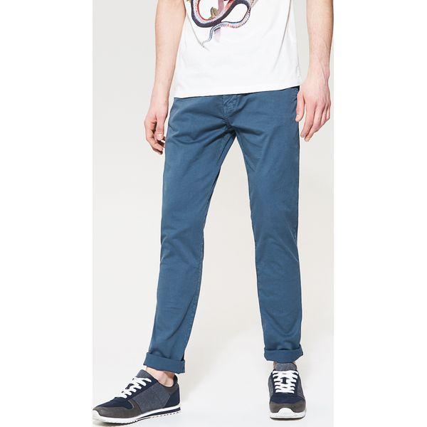 a5b19e1ea408d Materiałowe spodnie chino - Niebieski - Eleganckie spodnie męskie ...