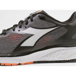 Buty do biegania męskie Diadora KURUKA 2 Obuwie do biegania treningowe  black orange vibrant. Buty do biegania męskie 3a600c1474c