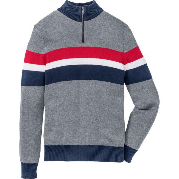 13f26d454b68 Sweter ze stójką Regular Fit bonprix szary melanż -  ciemnoniebiesko-czerwony w paski - Swetry męskie marki bonprix. Za 74.99 zł.