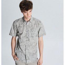 672bf1b3ce0cbf Wyprzedaż - moda dla mężczyzn ze sklepu Cropp - Kolekcja lato 2019 ...