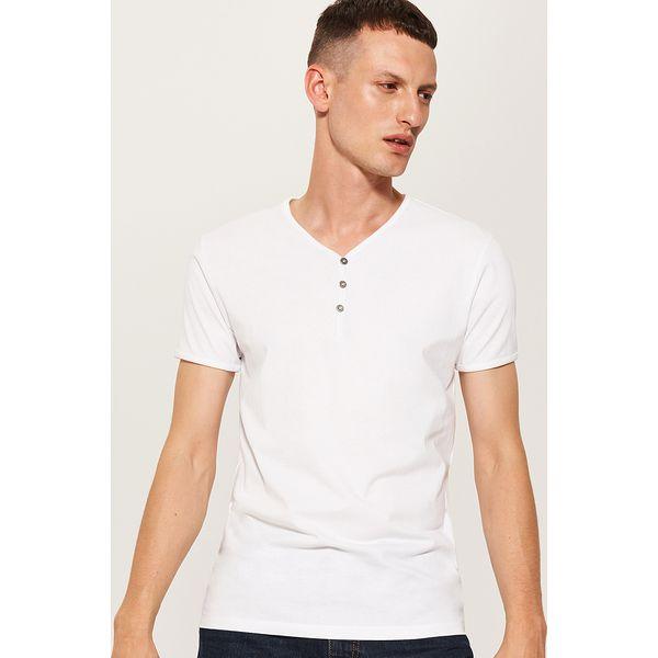 b5ac0ddd5 Gładki t-shirt z guzikami - Biały - Białe t-shirty męskie House. Za ...