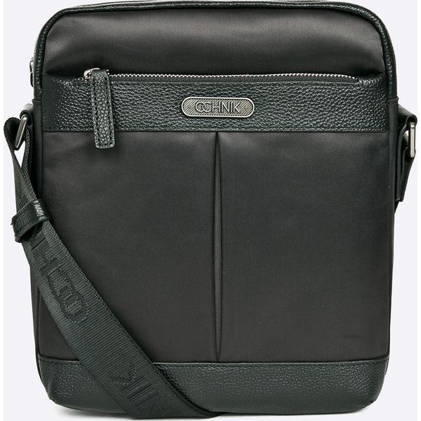 a2c412a4b0677 Ochnik - Torba - Czarne torby męskie na ramię marki Ochnik, w paski, z  materiału, casualowe, na ramię, małe. W wyprzedaży za 199.90 zł.