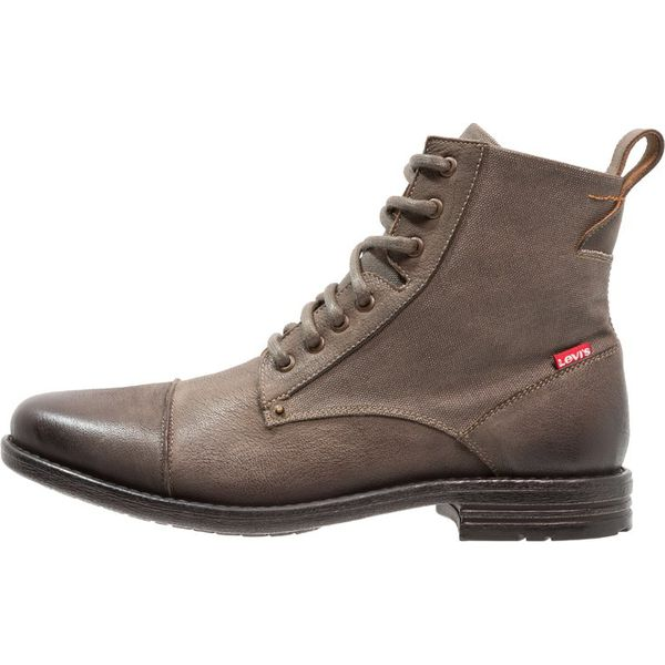 3066f80c4c014 Wyprzedaż - obuwie męskie marki Levi's - Kolekcja lato 2019 - Sklep  Antyradio.pl
