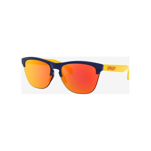 Pomarańczowe sportowe okulary przeciwsłoneczne męskie oakley