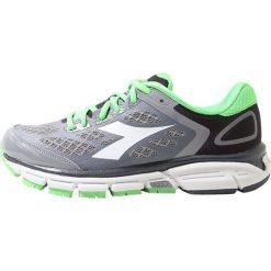 Diadora MYTHOS SHINDANO 5 Obuwie do biegania treningowe gray green. 62407c8f165