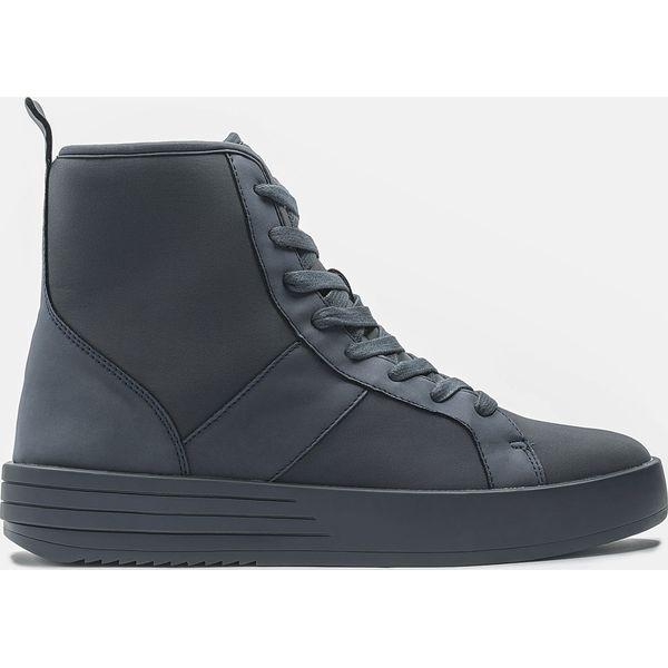 b10afc8e0ec84 Granatowe sneakersy męskie - Buty sportowe na co dzień męskie marki ...