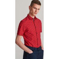 6ca6ea498cd665 Koszula super slim fit z mikroprintem - Czerwony. Czerwone koszule męskie  Reserved, l,