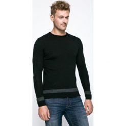 666bbfc783afb Guess Jeans - Sweter Carry. Swetry męskie marki Guess Jeans. W wyprzedaży  za 199.90 ...
