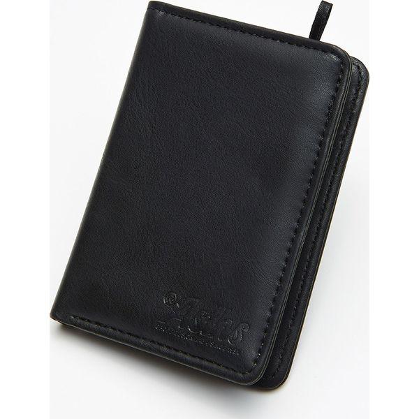 04147d0efeee0 Gładki portfel - Czarny - Portfele męskie marki Cropp. W wyprzedaży ...